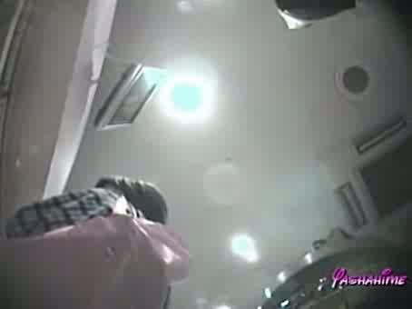 靴屋、デパート内でのローアングル盗撮動画