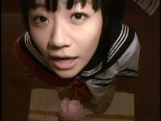 (美咲沙耶)ツインテールJKが見つめて玉ナメフェラチオ